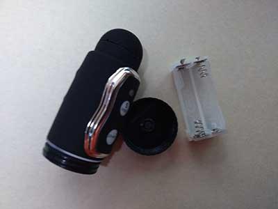 アナルマッサージャー(Anal Massage)の電池ケースを取り出した画像